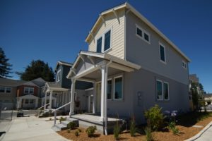2057 Medano Dr, Santa Rosa, CA 95407 Brand New two story Townhouse for rent available August 1, 2019 - Walk up four steps to a small front porch. The house exterior is two tone light beige on upper floor and light plum on lower level